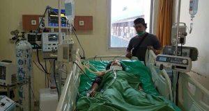 Ati Sowfana korban pembantaian di Pinrang ini masih terbaring belum sadarkan diri dan masih menjalani perawatan medis, Minggu (16/4).