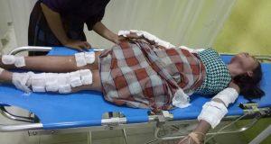 Korban saat menjalani perawatan medis di ruang UGD RS Nemal, Senin (26/6/2017).