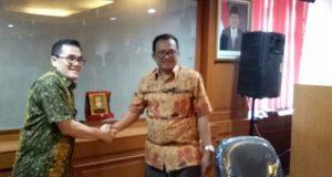 Ketua Pansus DPRD Wajo, A.D Mayang saat melakukan konsultasi Pemberdayaan Tenaga Kerja di Kantor Kementrian Tenaga Kerja RI.