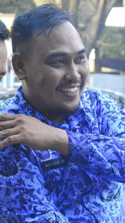 Ketua Karang Taruna Kabupaten Sidrap Muh Yusuf Dhoni, DM, SH, MKn