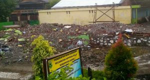 Tampak area lokasi pembangunan kantor Desa Ajakkang Kecamatan Soppeng Riaja Kabupaten Barru,sementara dalam persiapan pelaksanaan pembangunan.
