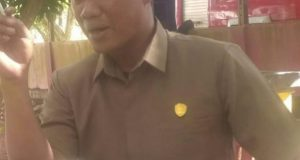 Tampak Rusdy Bucek selaku Ketua Fraksi PKB DPRD Barru.